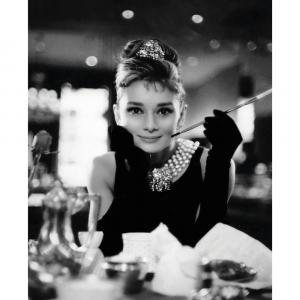 Audrey Hepburn at breakfast - Plakat